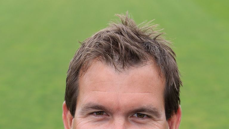Matthew Mott: Leaving Glamorgan at end of 2013 season
