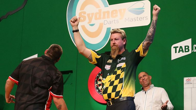 Simon Whitlock shines at the Sydney Darts Masters at Luna Park