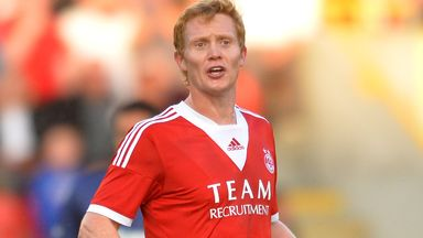 Barry Robson: Aberdeen midfielder is recovering well from knee surgery