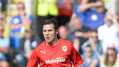 Don Cowie: Former Cardiff man suffers injury