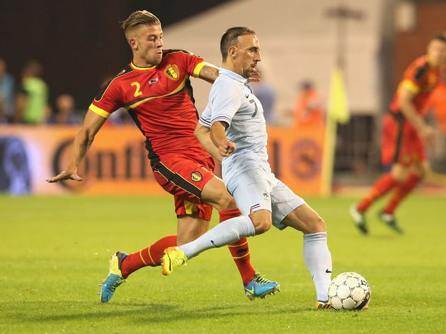 Toby Alderweireld and Franck Ribery battle for the ball