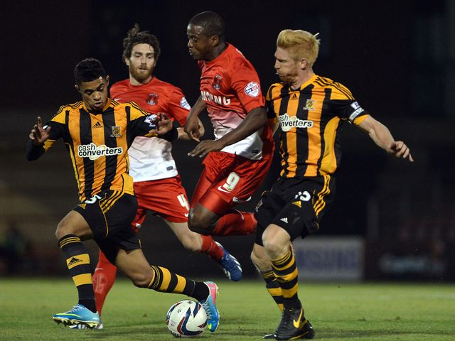 Cameron Stewart and Paul McShane in action for Hull