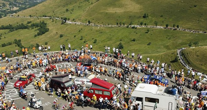 The Col de Peyresourde sees the race enter France