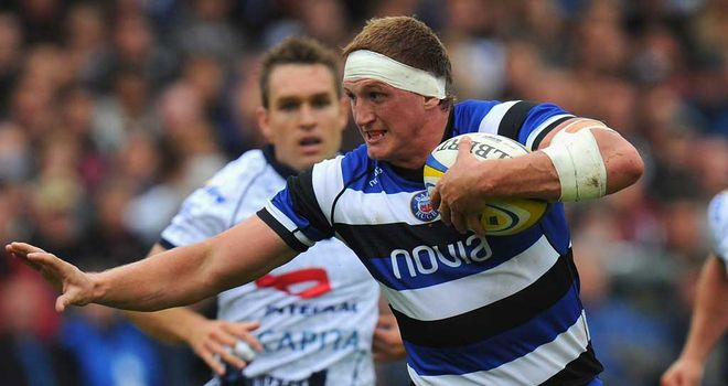Stuart Hooper: Bath captain extends contract