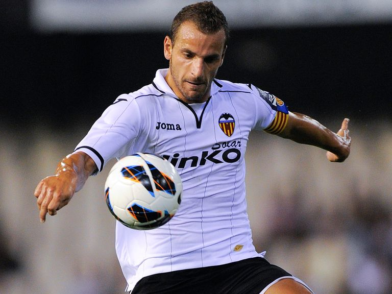 Roberto Soldado: Tottenham switch completed
