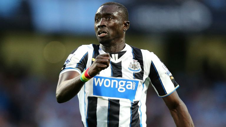 Papiss Cisse: Warned to start scoring goals
