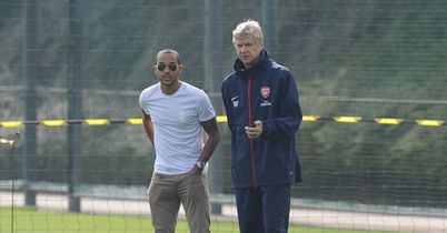 Theo Walcott: Arsene Wenger has confirmed Arsenal winger is fully fit after minor surgery