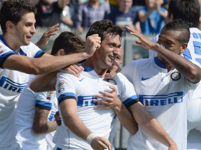 Diego Milito and Inter celebrate their fifth goal