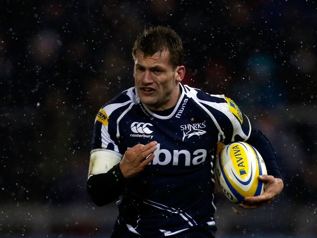 Mark Cueto: Moves to centre