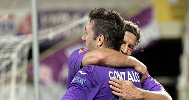 Gonzalo Rodriguez celebrates for Fiorentina