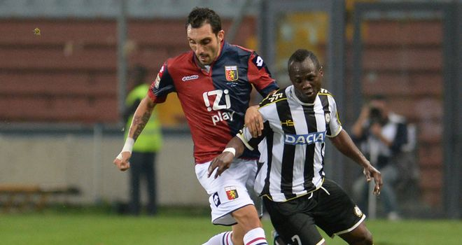 Francesco Lodi and Emanuel Badu tangle.