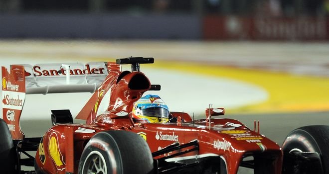 Alonso and the F138 in action at the Singapore GP