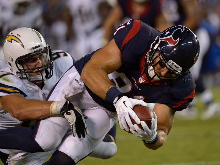Owen Daniels scores a touchdown for the Texans