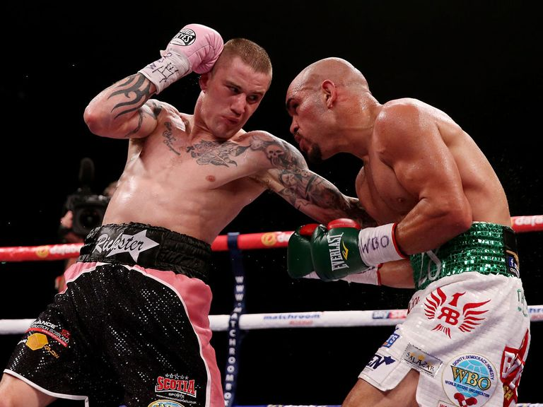 Ricky Burns (l) drew with Raymundo Beltran in Glasgow