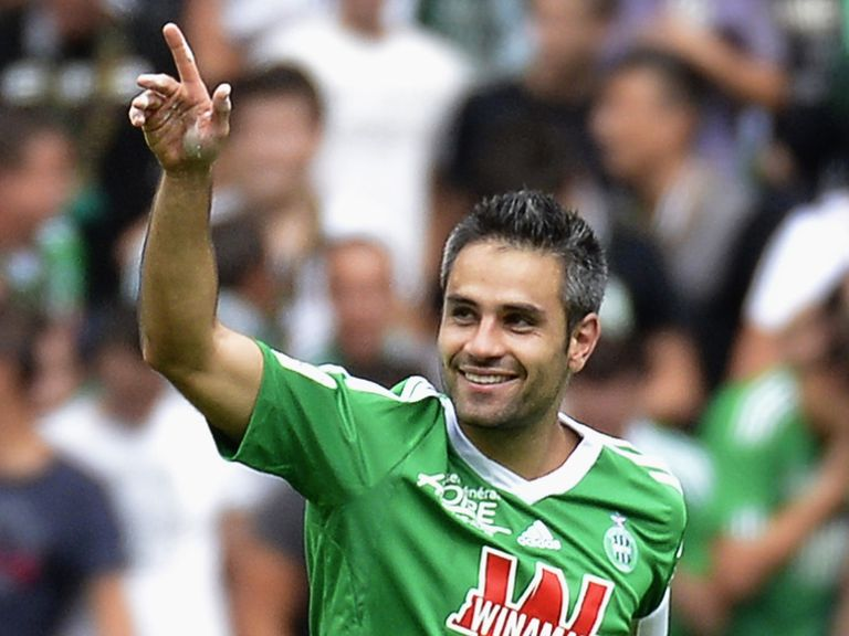 St Etienne beat Bordeaux 2-1.