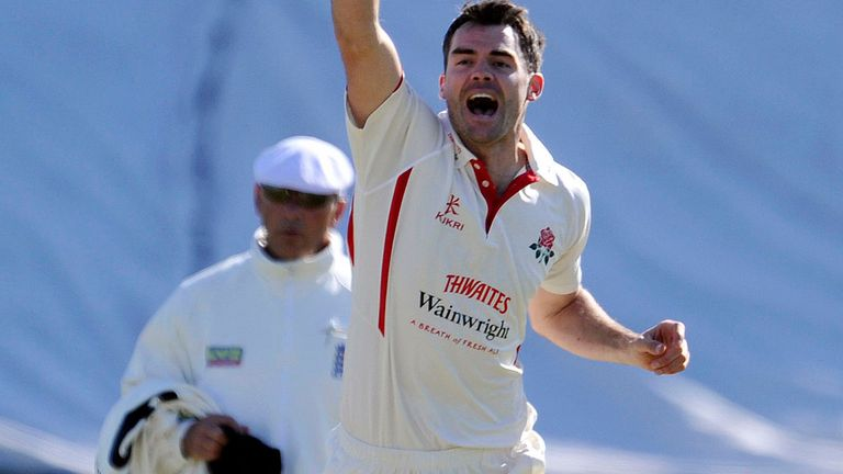 James Anderson signs extended deal with Lancashire through to the end of the 2015 season