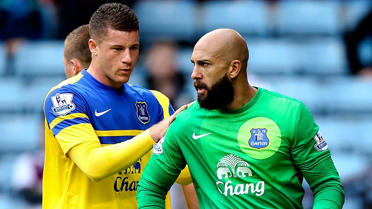 Tim Howard: Everton keeper praised by Roberto Martinez