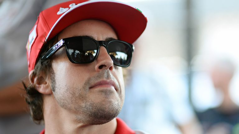 Fernando Alonso: Not expecting any late-season gifts from Vettel