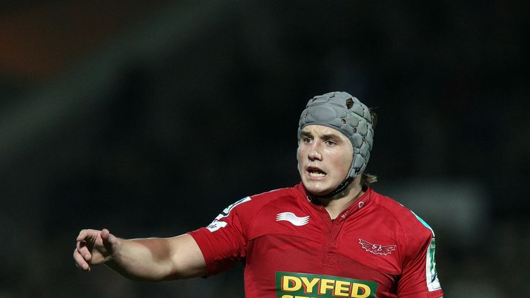 Jonathan Davies: Has agreed to join Top 14 outfit Clermont Auvergne next season