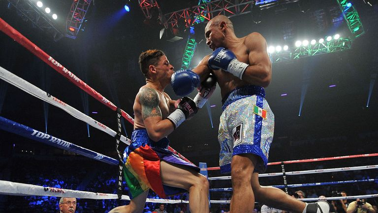 Orlando Cruz (Left): Knocked out in the seventh round of his title fight in Las Vegas