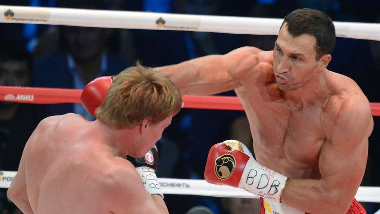 Wladimir Klitschko (R): Had no problems beating Alexander Povetkin