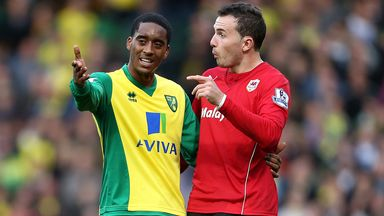 Leroy Fer explains himself to Cardiff's Jordon Mutch