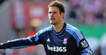Begovic in battle for fitness