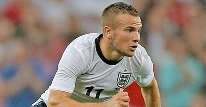 Martinez defends Cleverley
