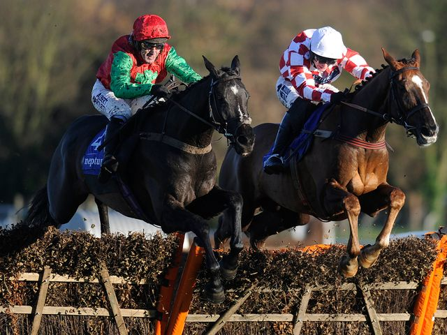 Taquin Du Seuil: Easy winner on heavy ground