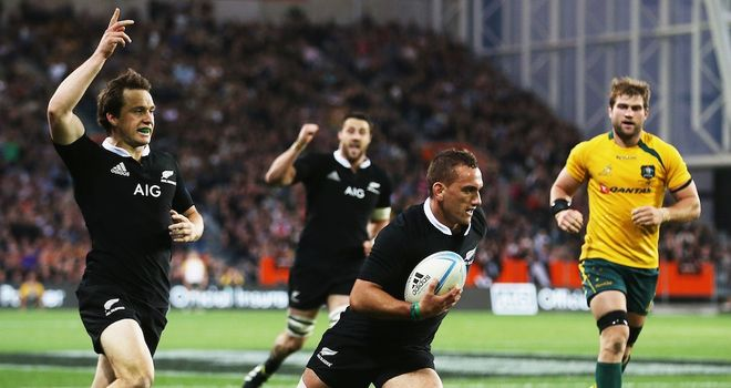 Aaron Cruden crosses for one of four New Zealand tries