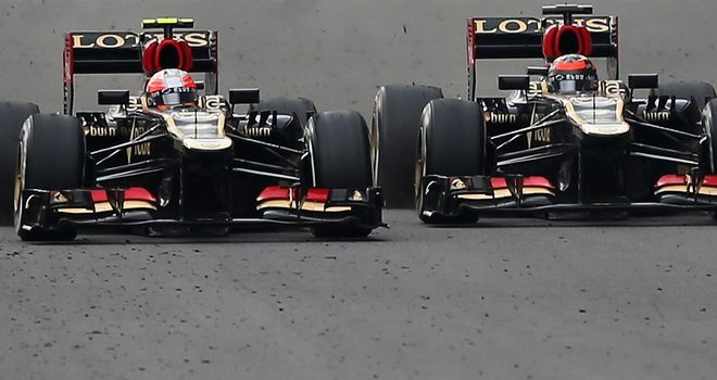 Frustration: Romain Grosjean and Kimi Raikkonen