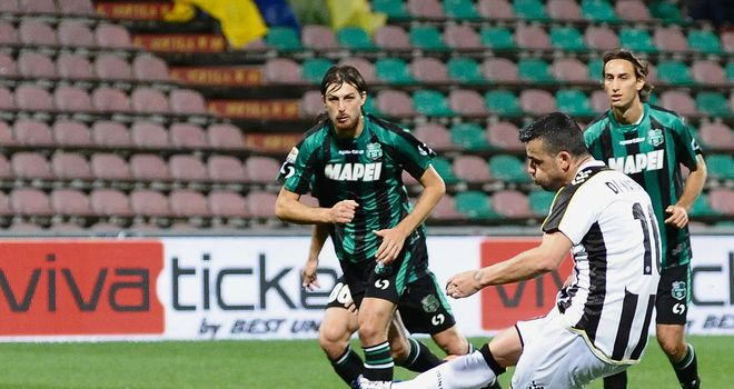 Antonio Di Natale scores for Udinese