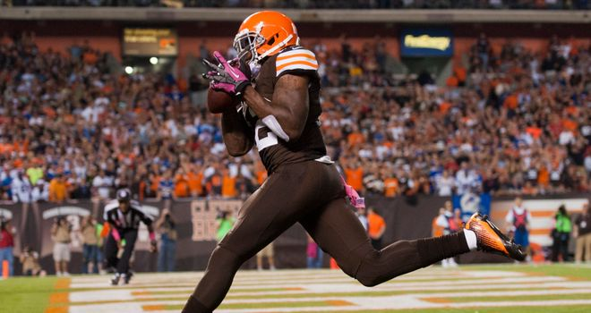 Josh Gordon scores for the Cleveland Browns