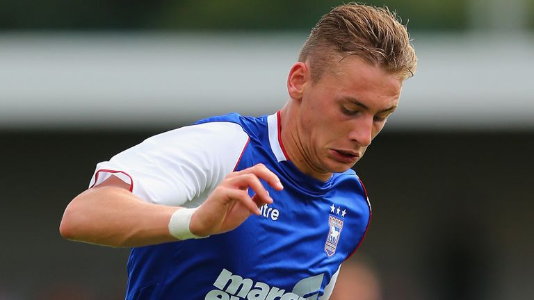 Elliott Hewitt: Short loan spell at Priestfield