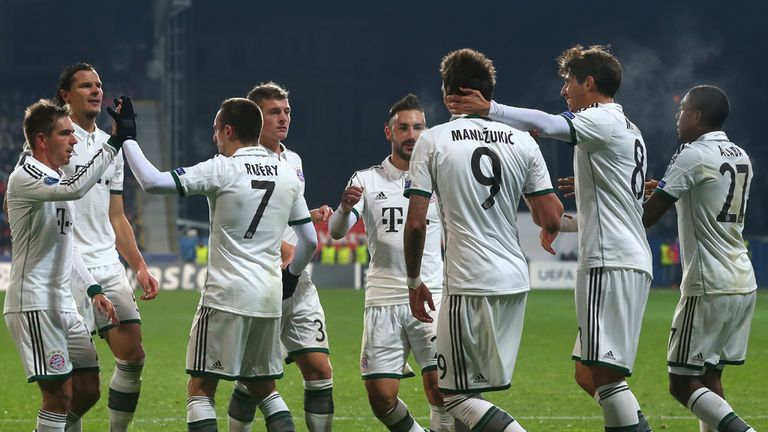 Mario Mandzukic: Bayern striker congratulated after scoring the winner