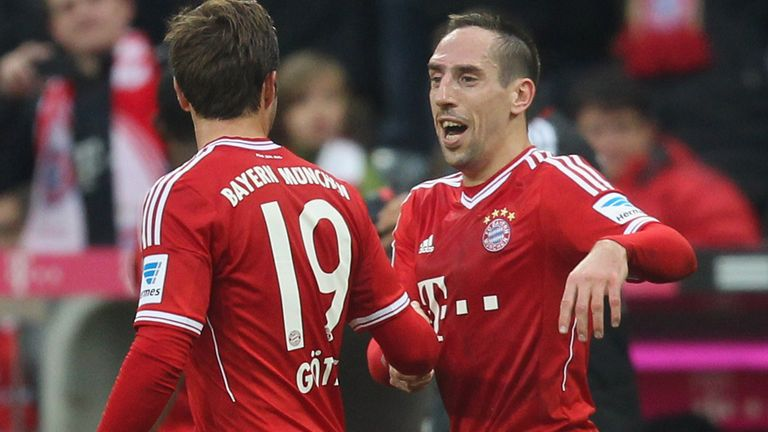 Franck Ribery (r): Celebrates with Mario Gotze