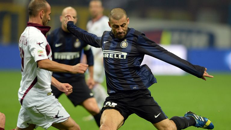 Walter Samuel in action for Inter Milan