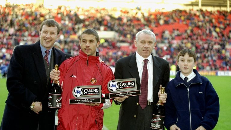 Peter Reid (centre, with Phillips): played key role in Phillips' development at Sunderland