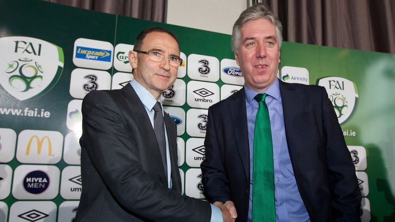 Martin O'Neill: With FAI chief executive John Delaney at Saturday's presser