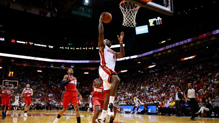 LeBron James helped the Miami Heat to victory over the Washington Wizards