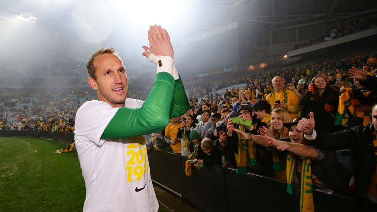 Mark Schwarzer: Chelsea goalkeeper applauds Australia fans in June