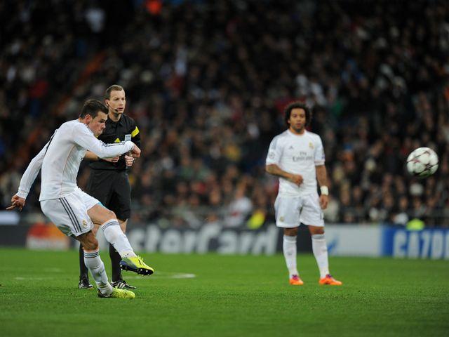 Gareth Bale scores Real Madrid's opening goal