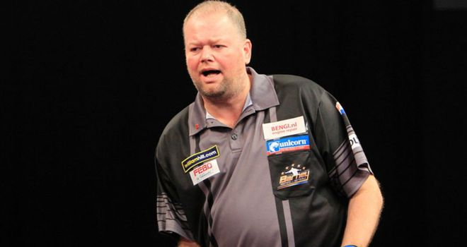Raymond van Barneveld: The reigning champion edged out Tony O'Shea