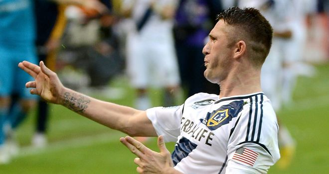 Robbie Keane: Irish striker agrees new LA Galaxy deal