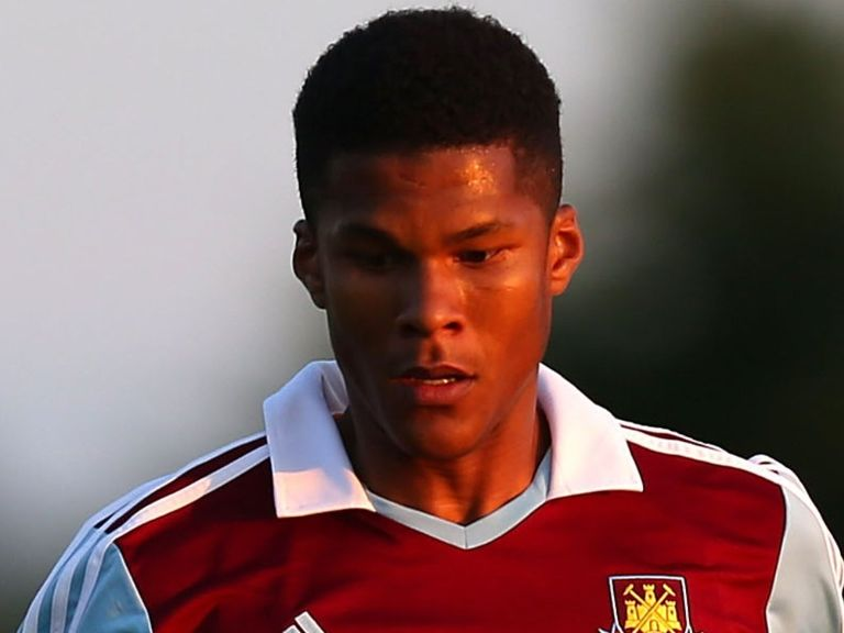 Jordan Spence: Heading to Stadium:mk