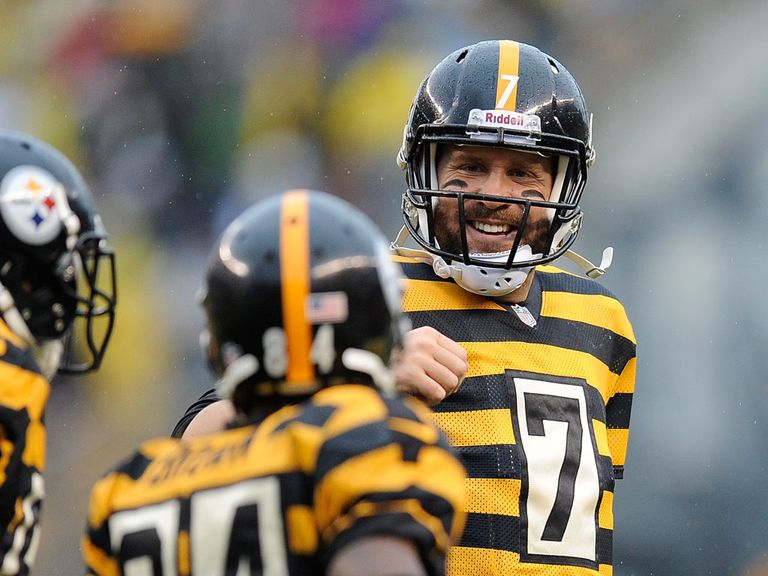 Ben Roethlisberger celebrates against the Detroit Lions
