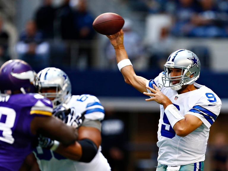 Tony Romo: Threw for 337 yards and two touchdowns for Dallas