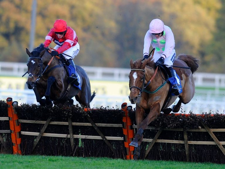 Annie Power (right) can beat Zarkandar again