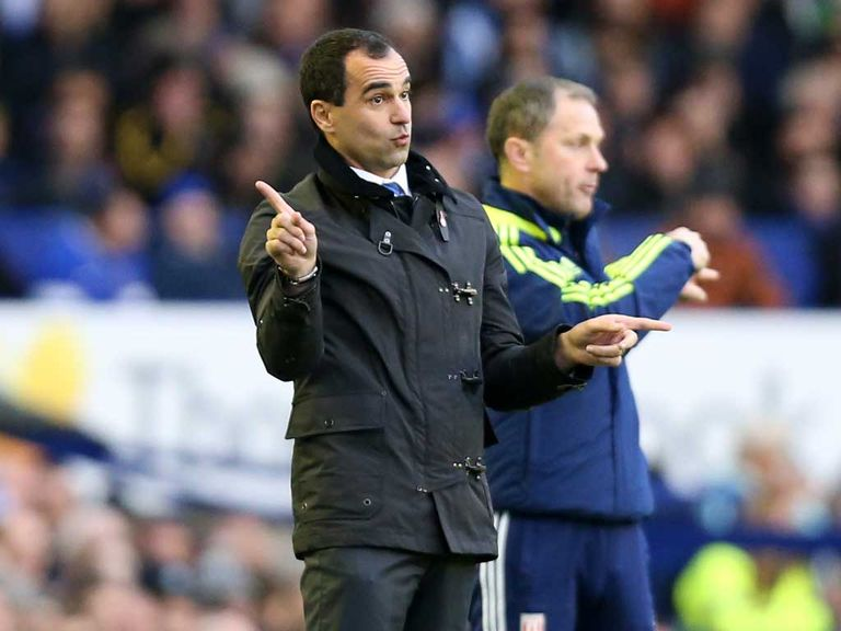 Roberto Martinez: Wants Everton to play with freedom at Old Trafford