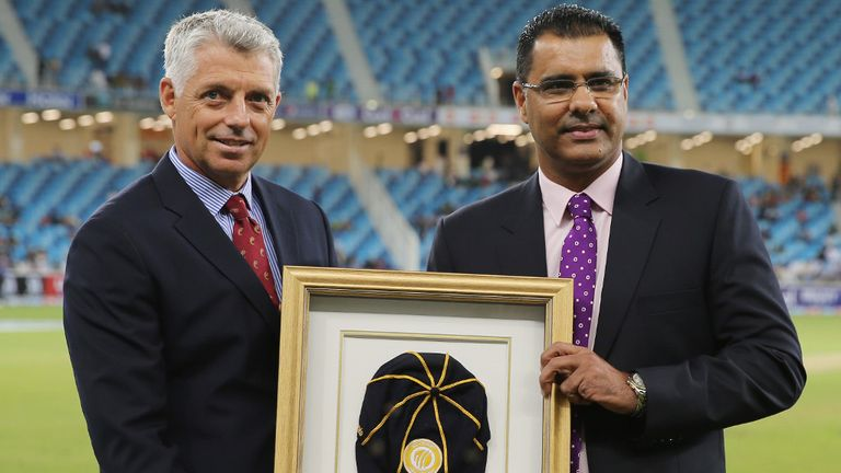 Waqar Younis (right): Appointed coach of Pakistan again